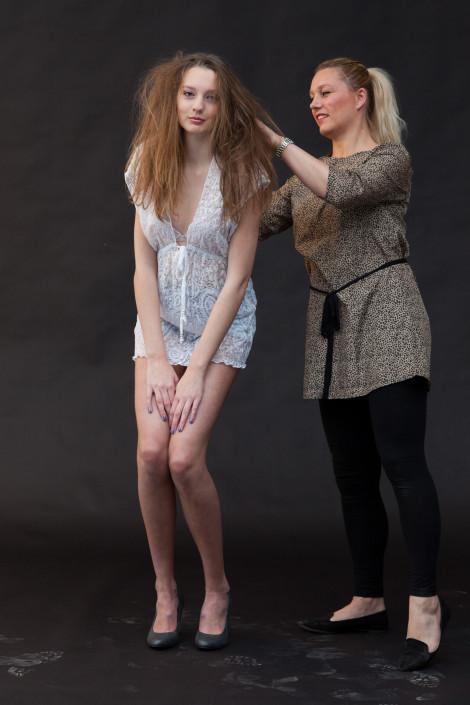 Backstage tijdens een model voor 1 dag fotoshoot.